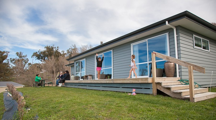 With the support of the Māori Housing Network led by Te Puni Kōkiri, Waimarama 3A1C2 Inc. are able to provide affordable rental homes and home ownership for whānau. Pictured: Waimarama papakāinga residents, 2017.